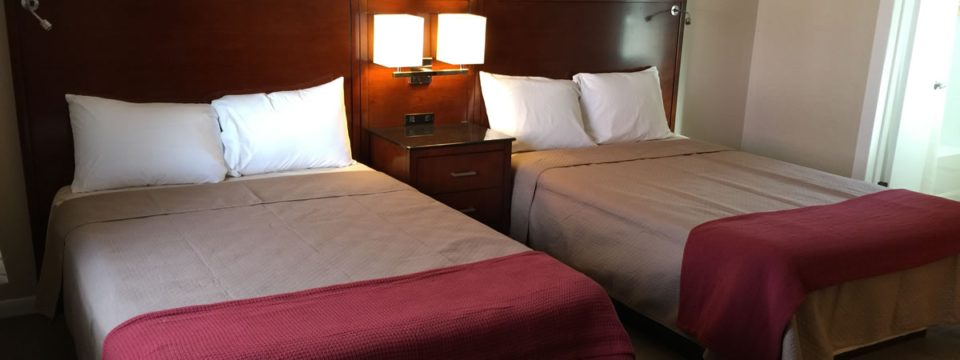 Saldia-queen-beds