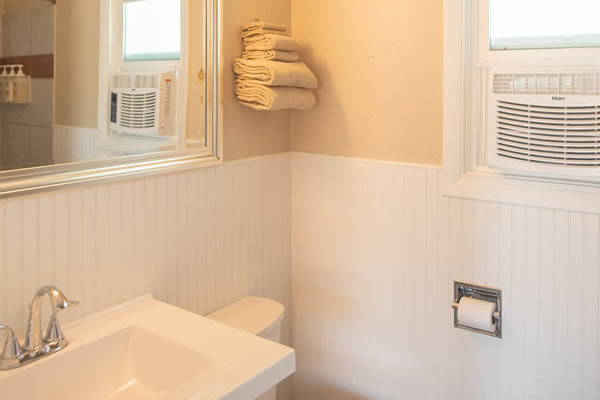 Bathroom-room-11-wainscotting-good