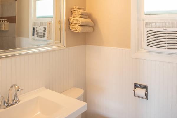 Bathroom-room-11-wainscotting-good