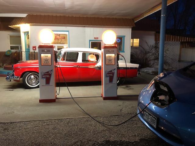 salida-electric-car-charging-station-2