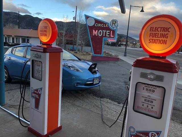 salida-electric-car-charging-station-3