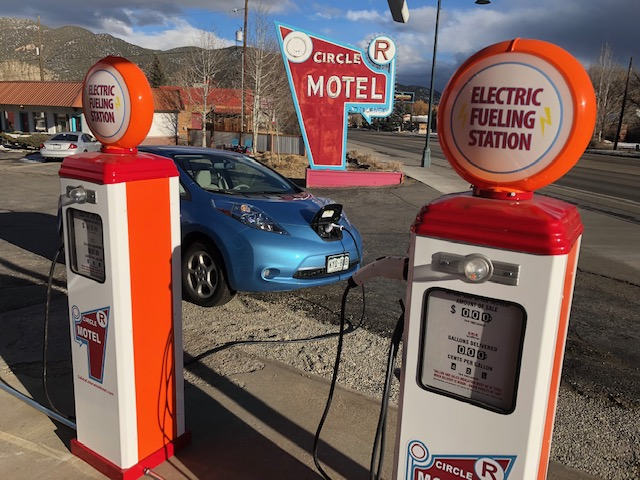 salida-electric-car-charging-station-5